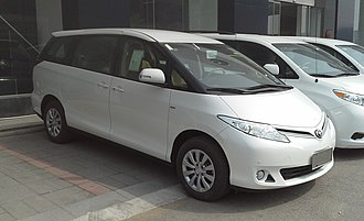 Kuozui Motors - Image: Toyota Previa XR50 facelift China 2016 04 13