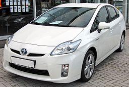 Toyota Prius III 20090710 front