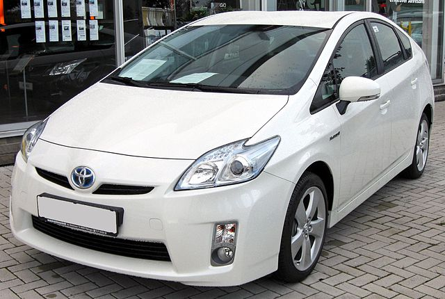 Toyota Prius III 20090710 front