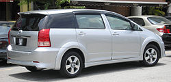 Toyota Wish (first generation, first facelift) (rear), Serdang.jpg