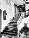 trap met huisaltaar in vestibule - borgharen - 20038206 - rce