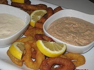 Tarator - Image: Turkish tarator and fried squid