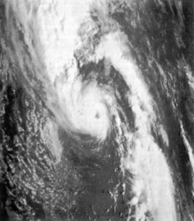 1975 Pacific Northwest hurricane Category 1 Pacific hurricane in 1975