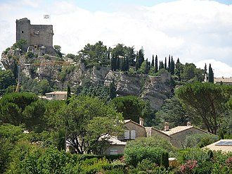 Vaison-la-Romaine - The city's castle up the medieval quarter