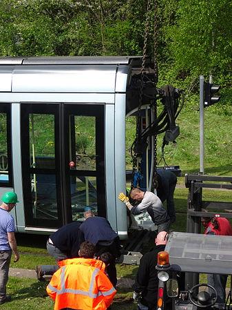 Valenciennes & Anzin - Déraillement de la rame de tramway n° 17 à la sortie du dépôt de Saint-Waast le 11 avril 2014 (054).JPG