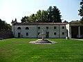 Villa Badoer Fratta Polesine barchesse by Marcok 2009-08-16 n07.jpg