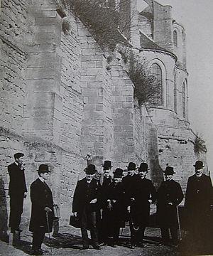 École Nationale des Chartes - Students of the École des Chartes on a study trip to Saint-Leu d'Esserent (1903).