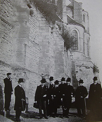 École Nationale des Chartes - Students of the École des Chartes on a study trip to Saint-Leu d'Esserent (1903).