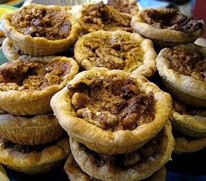 Walnut pie - Image: Walnut tartlets (1463821267)