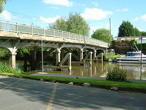 Wateringbury - Image: Wateringbury Bow Bridge 0577