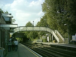 West Finchley Stn platforms