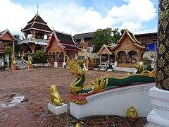 Xang Hai temple 5.jpg