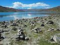 Yamdrok Lake (23150083274).jpg
