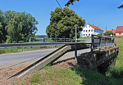 Černovice (DO), bridge over Hořina creek.jpg