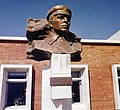 Памятник Постышеву на ст.Березово БАМ.jpg