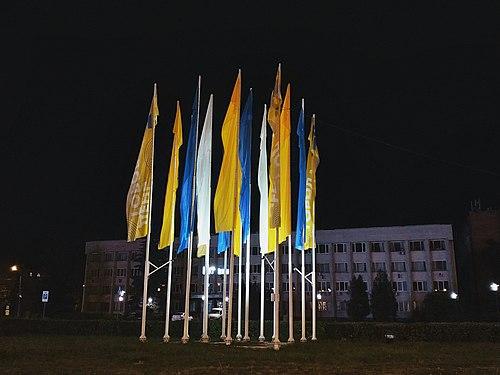 Праздничные флаги у администрации Советского района г.Нижнего Новгорода.jpg
