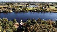Река Оять и Часовня преподобного Александра Свирского и вид на Введено-Оятский монастырь.jpg