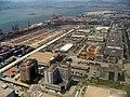 厦门高崎机场上空, 下方是厦门集装箱码头 - panoramio.jpg