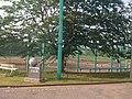 東京情報大学・本館東側から硬式野球練習場方面を望む - panoramio.jpg