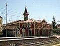 015 Estació de ferrocarril i torre de Cal Maimó.jpg