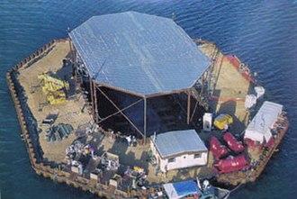 La Belle (ship) - The cofferdam built around La Belle