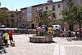 05 Briones Plaza España el fondo Botica de Rabal Lou.JPG
