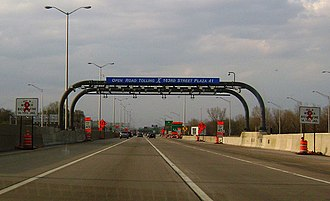 Open road tolling - The ORT lanes at the West 163rd Street toll plaza, going northbound on the Tri-State Tollway near the Chicago suburb of Hazel Crest.