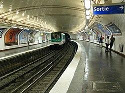 171838500 9b0ae75270 o Metro de Paris Ligne 12 station Lamarck Caulaincourt.jpg