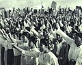1966-06 1966年刘少奇访问缅甸当地民众.jpg