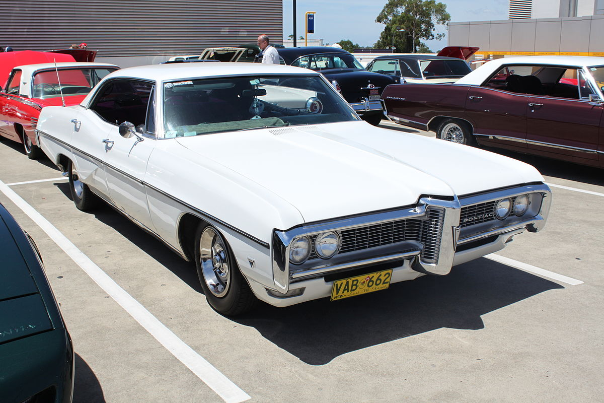 Us Grand Prix >> Pontiac Parisienne - Wikipedia