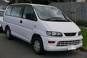 Mitsubishi Space Gear 4