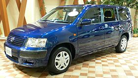 2002 Toyota Succeed 01.jpg