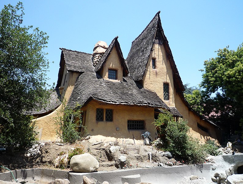File:2009-0627-SpadenaWitch-house.jpg