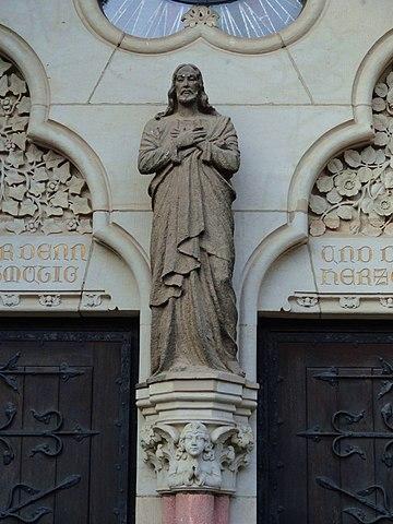 Datei20130913 Dresden Johannstadt Herz Jesu Kirche Christusstatue