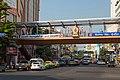 2016 Bangkok, Dystrykt Phra Nakhon, Kładka dla pieszych na skrzyżowaniu.jpg