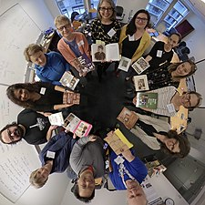 20190405-editathon-BecauseOfHerStory-smithsonian-npg-circle.jpg