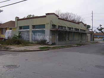 Vacant commercial building, Dante Street at Ap...