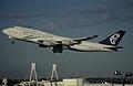 69ar - Air New Zealand Boeing 747-400; ZK-NBV@SYD;01.09.1999 (4707715820).jpg