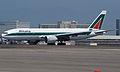 ALITALIA 777-200 (2816126542).jpg