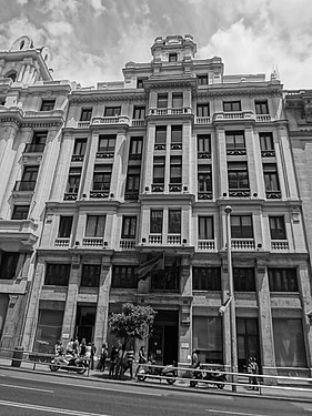 A Black and white photograph of a buildings at Gran Via, Madrid Spain 018.JPG