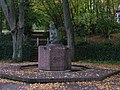 Aachen Skulptur Heißbergfriedhof.jpg