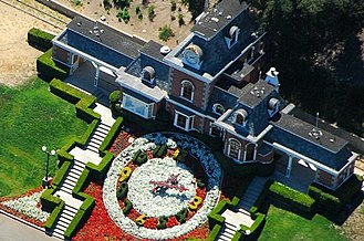 Neverland Ranch - Neverland's train station, Katherine Station, with floral clock