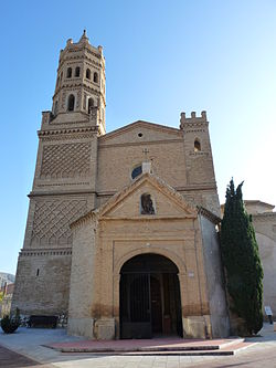 Alfajarín - Iglesia de San Miguel Arcángel - Fachada.jpg