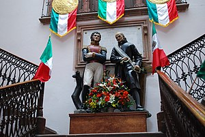 San Miguel de Allende - Statues of Allende and Hidalgo in the municipal palace
