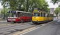 Amsterdam Haarlemmermeerstation en Museumtrams 602 (29468990794).jpg