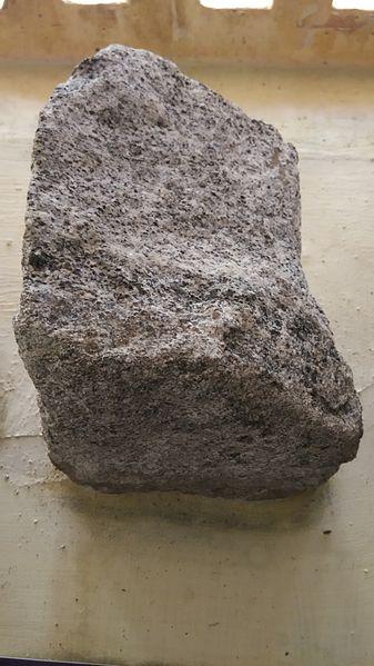 Batu Anortosit: Karakteristik, Jenis Dan Kegunaannya
