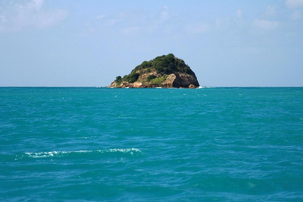 Antiguasmallisland.jpg