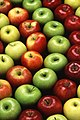 "Green and red apples (""non-black non-ravens"")"