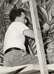 Archives of American Art - Luis Arenal - 1941 CROPPED.jpg