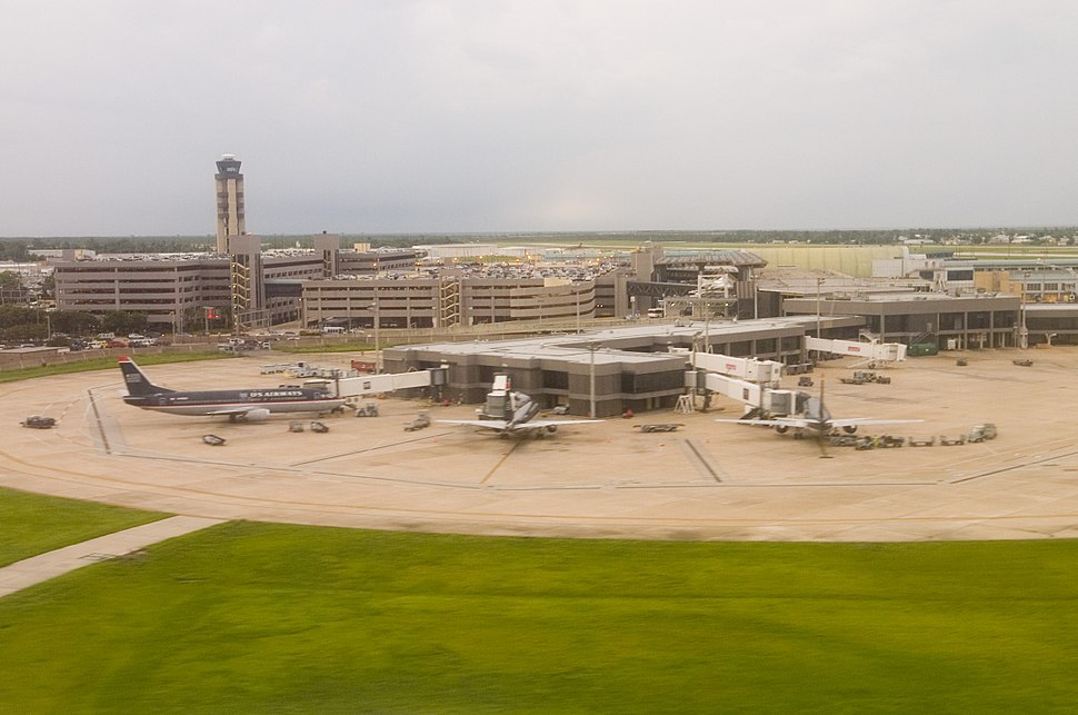 ArmstrongAirportJune2007